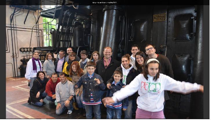 Personas con autismo visitan la  sala de motores del Metro