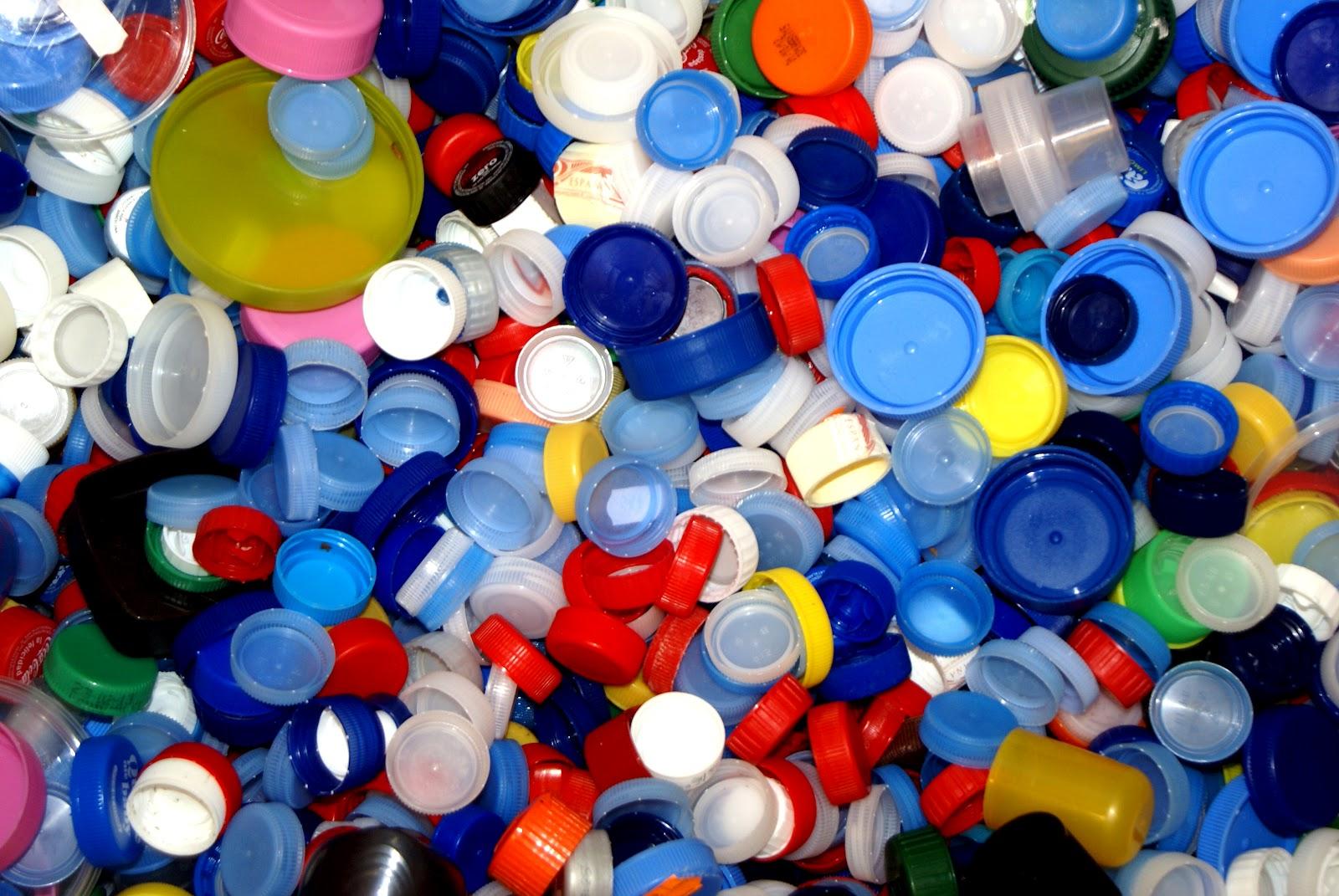 con tapones de plastico