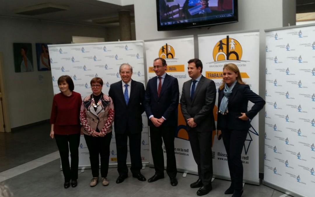 El ministro de Sanidad, Servicios Sociales e Igualdad en funciones, Alfonso Alonso, visita Nuevo Horizonte