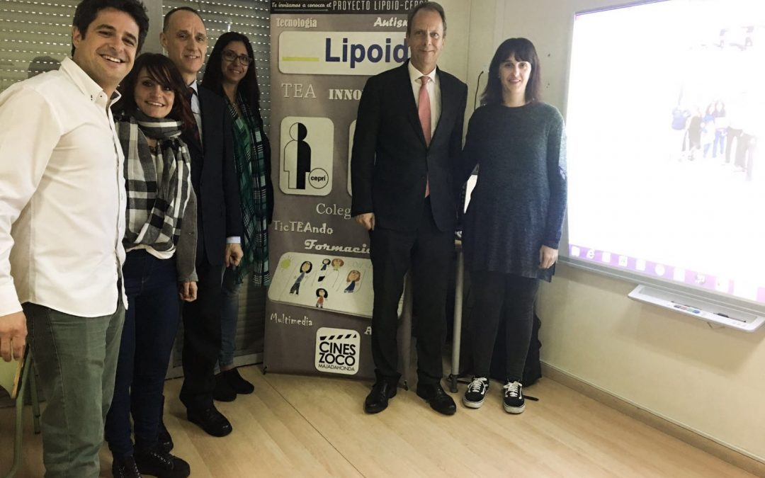 El responsable de la Fundación LIPOID visita el Colegio CEPRI