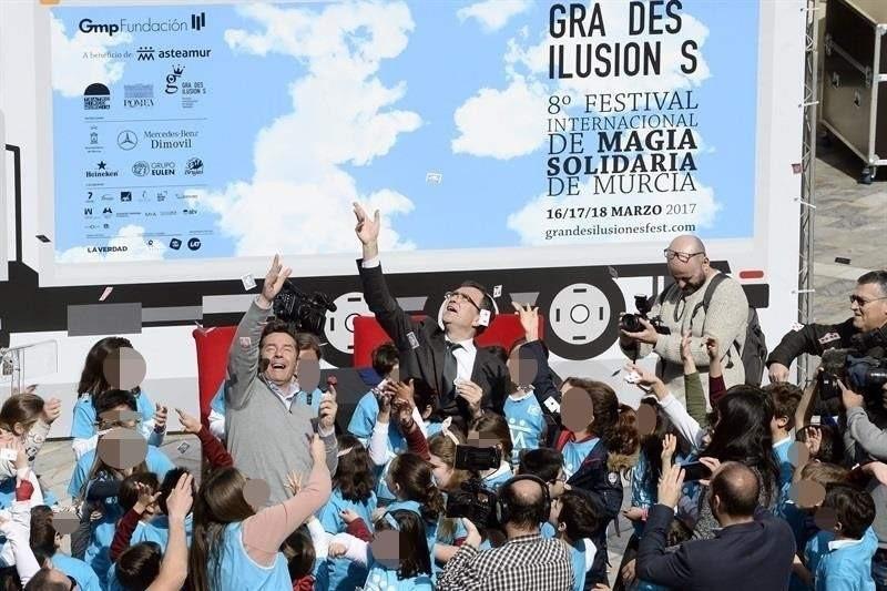 Magia solidaria para un nuevo centro de atención temprana en Murcia
