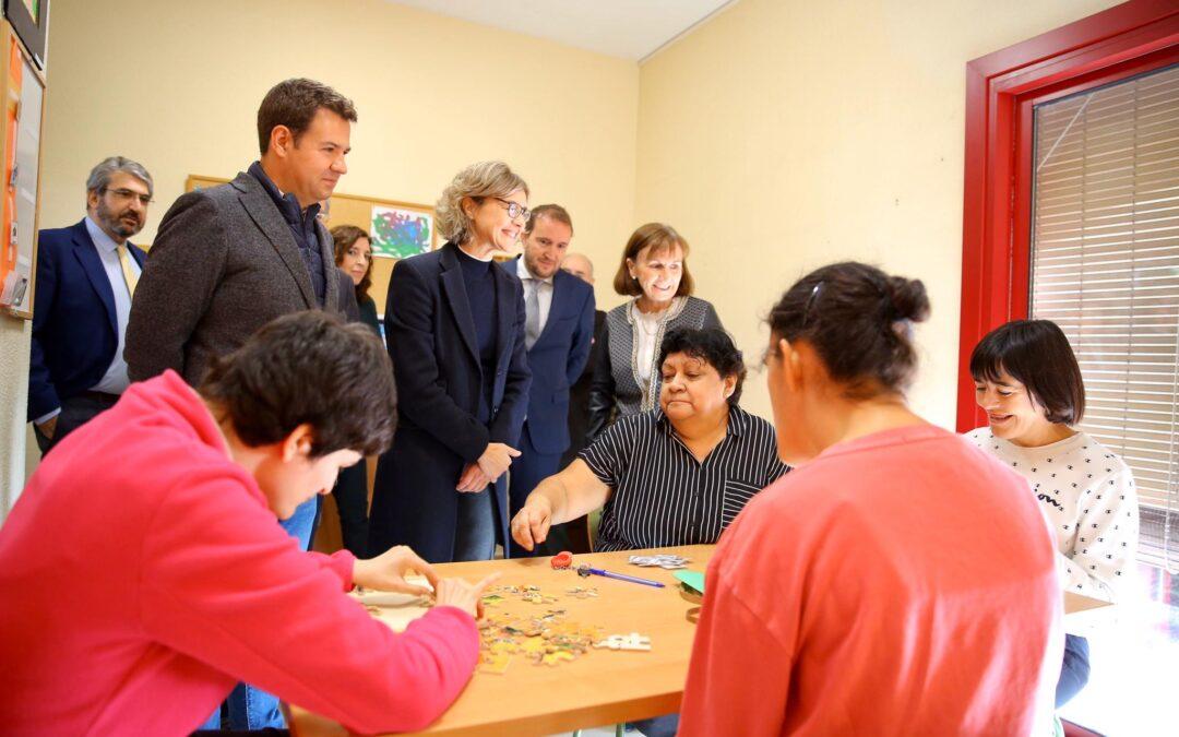 Nuevo Horizonte recibe la visita de Isabel García Tejerina